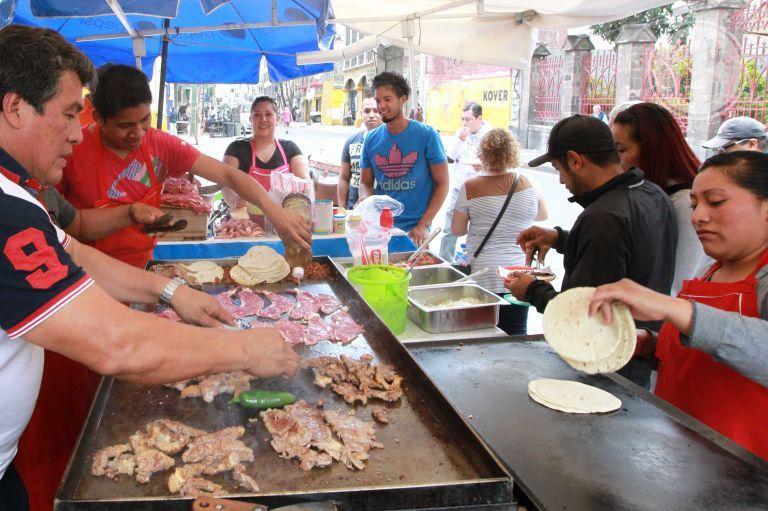 La alimentación del mexicano se debate entre dos placeres opuestos