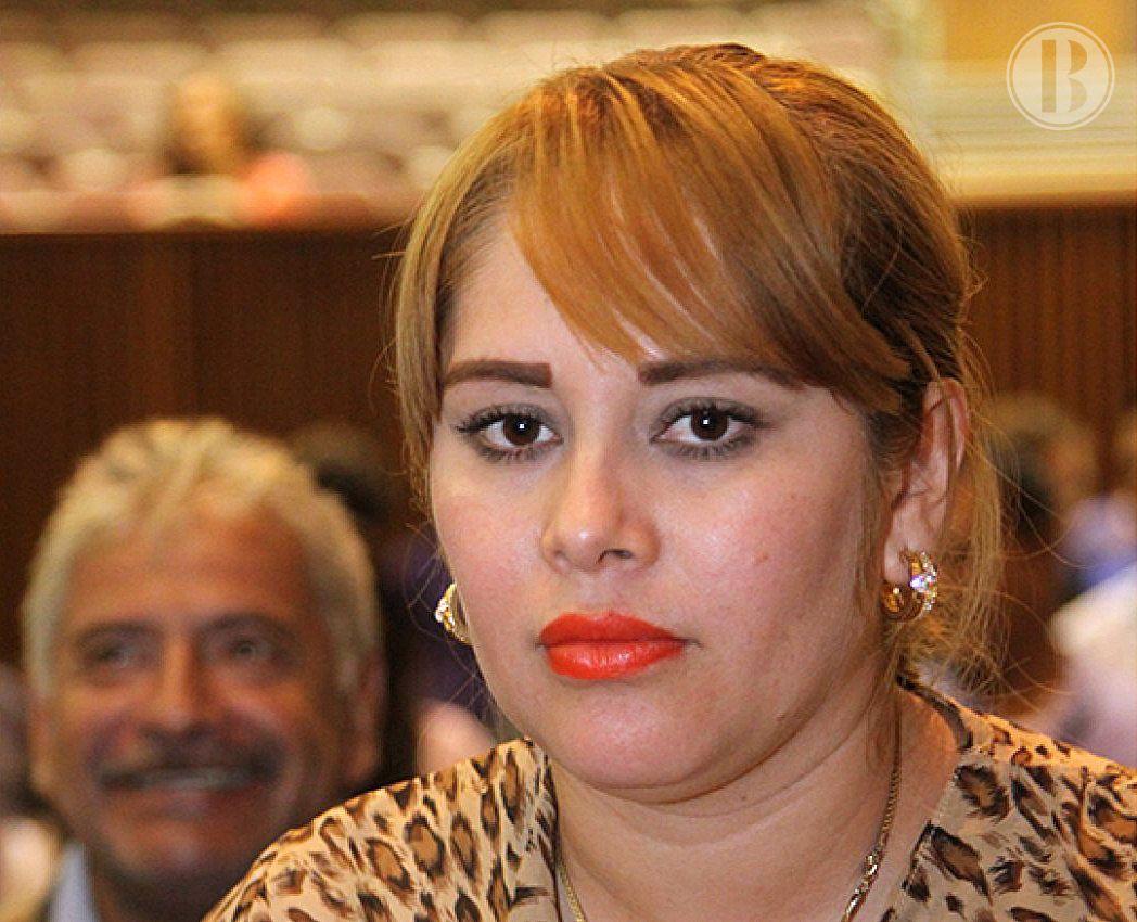 Detienen en frontera de EEUU a la exdiputada mexicana Sánchez ligada al Chapo
