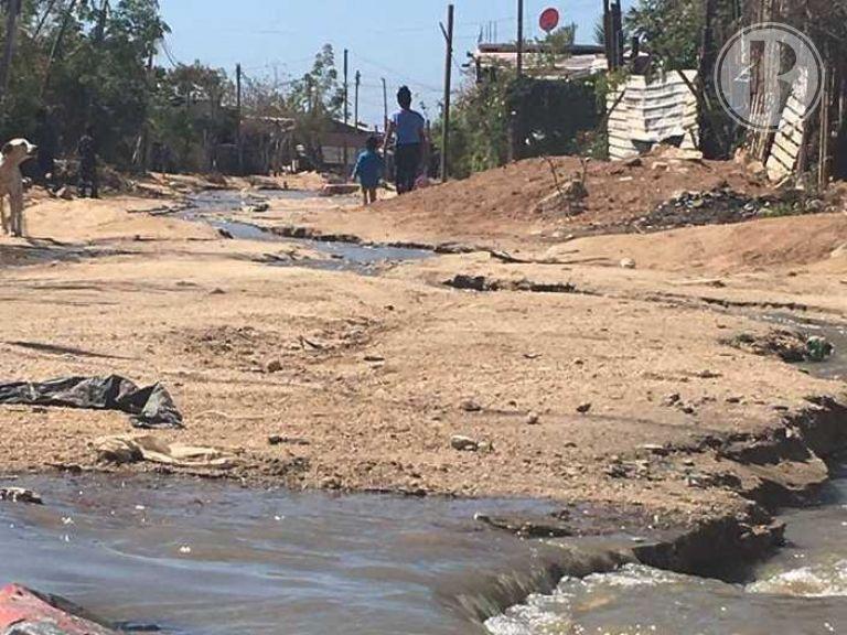 Fuga de aguas negras, riesgo de salud en colonia Tierra y Libertad
