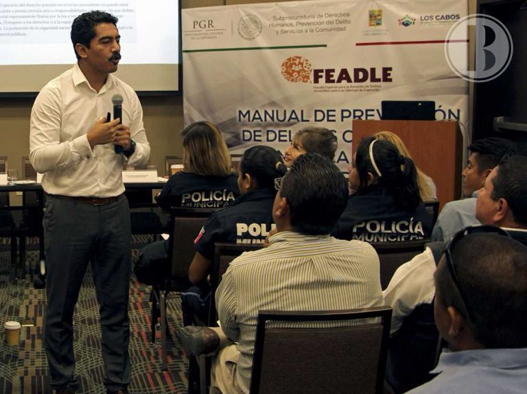 Imparten curso para prevenir delitos contra la libertad de expresión