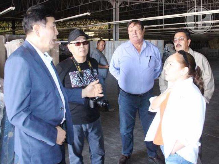 Empresarios coreanos recorren maquiladora de Comondú