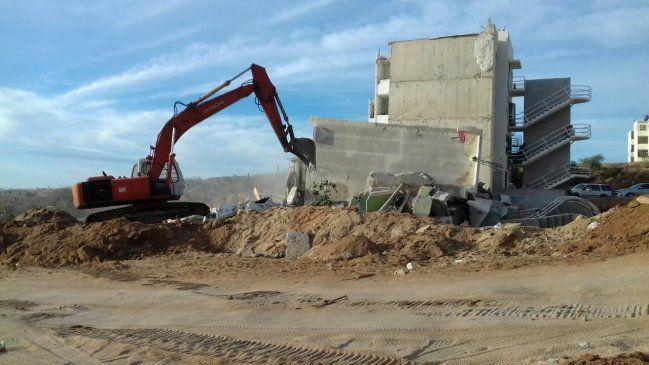 Inicia demolición de edificio colapsado en Chulavista