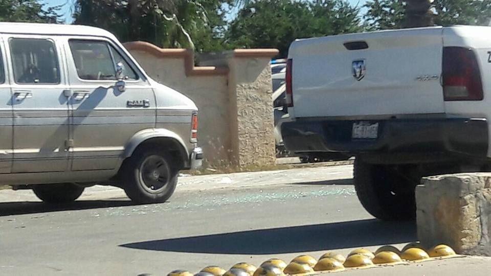 Ejecutan a un hombre en su camioneta en Bulevar Centenario, San José del Cabo