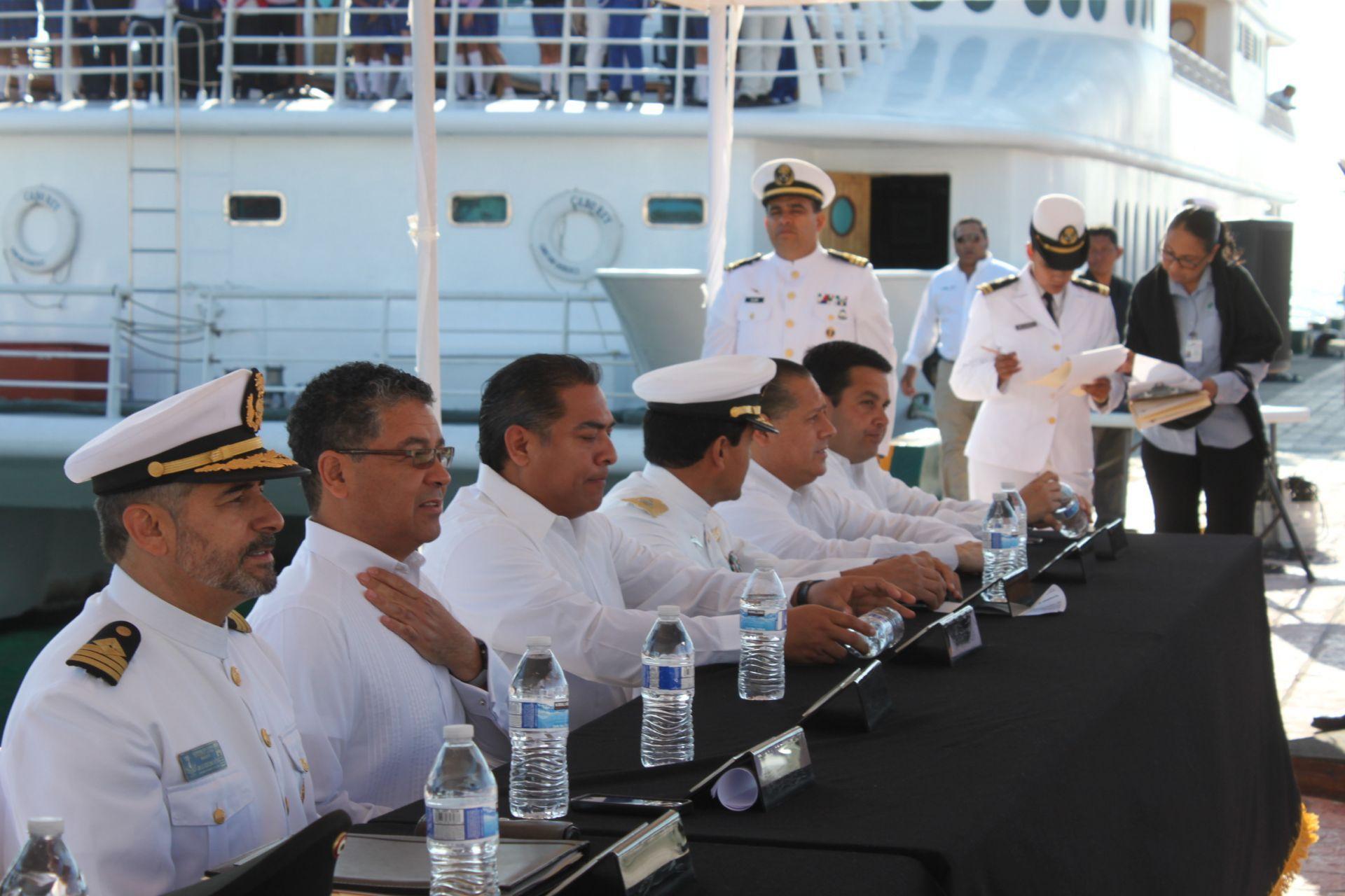 Se celebra en Los Cabos, el aniversario del Día de la Marina