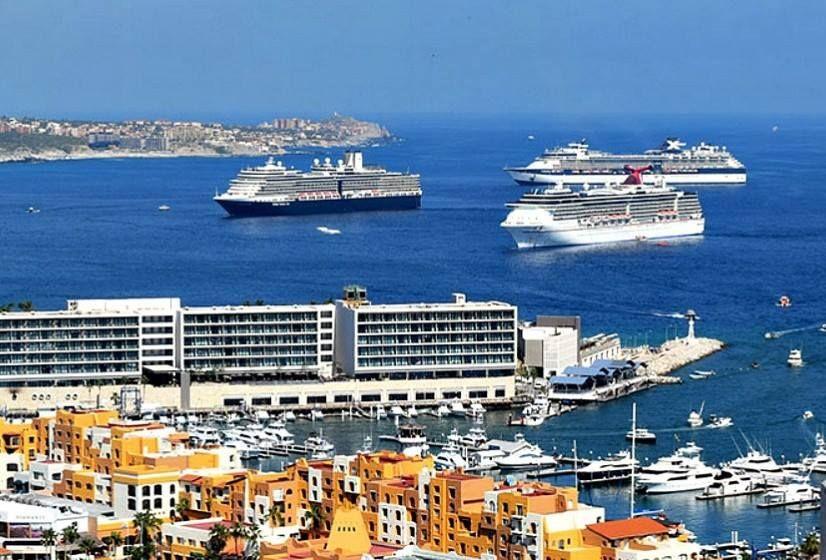 Alertas de viaje a Los Cabos, provocaron la cancelación de 35 mil cuartos de hotel