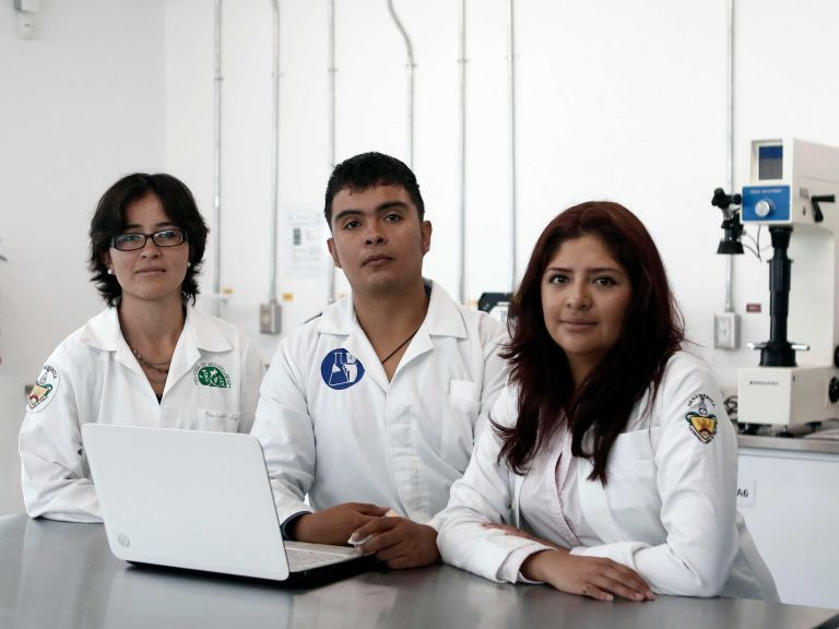 1 Estudiantes mexicanos crean material para regenerar huesos por impresión 3D
