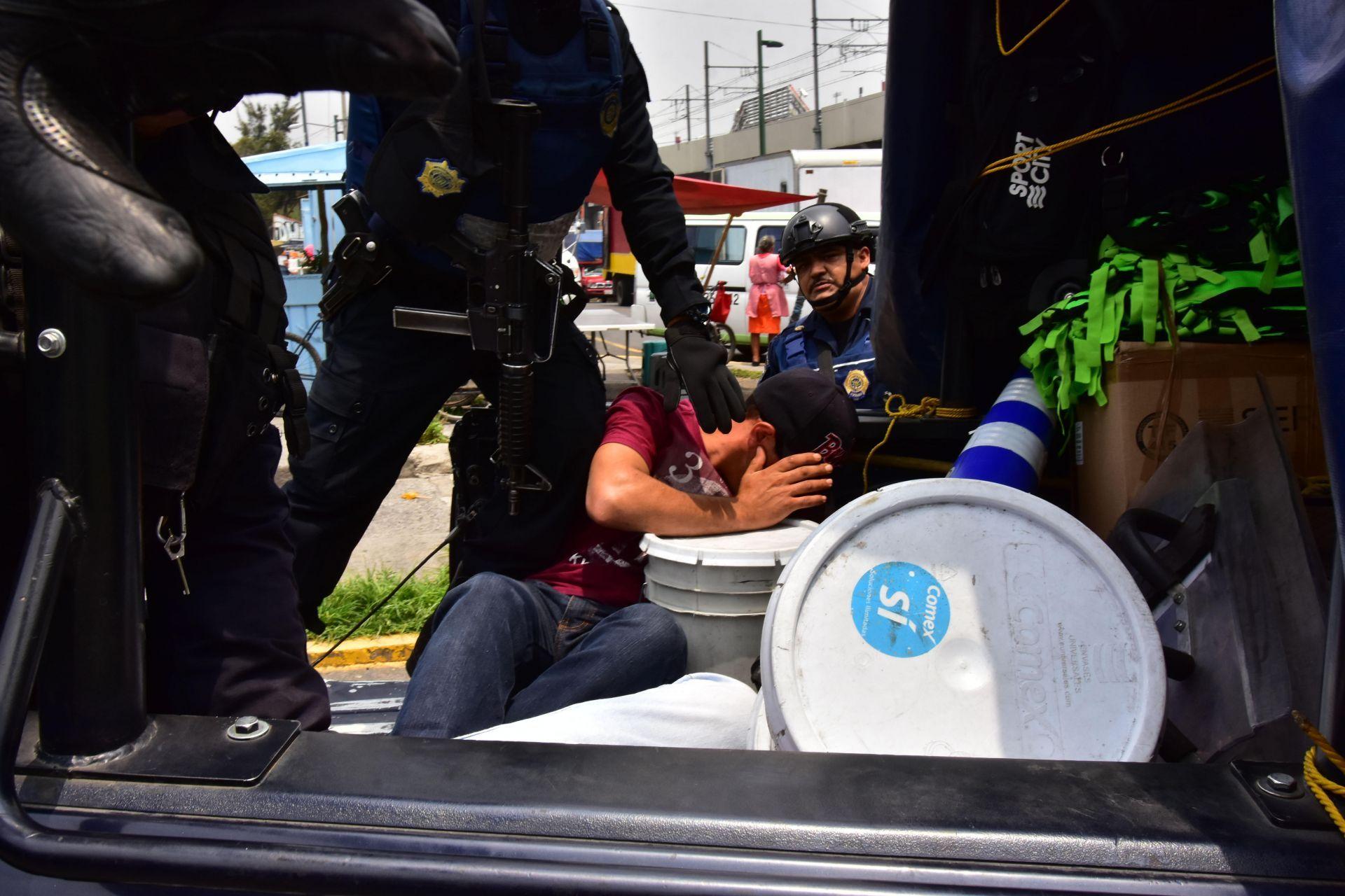 """Detienen en Ciudad de México a """"el Cochi"""" presunto líder de banda criminal"""