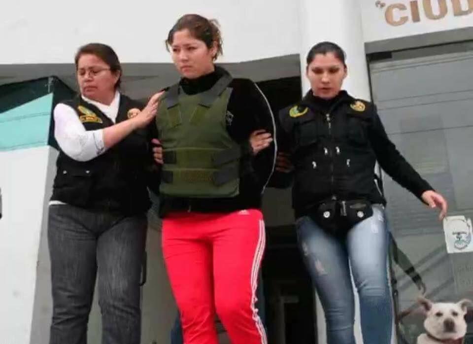 Madre es supuestamente culpada de homicidio por defender a su hija mientras su padre la violaba