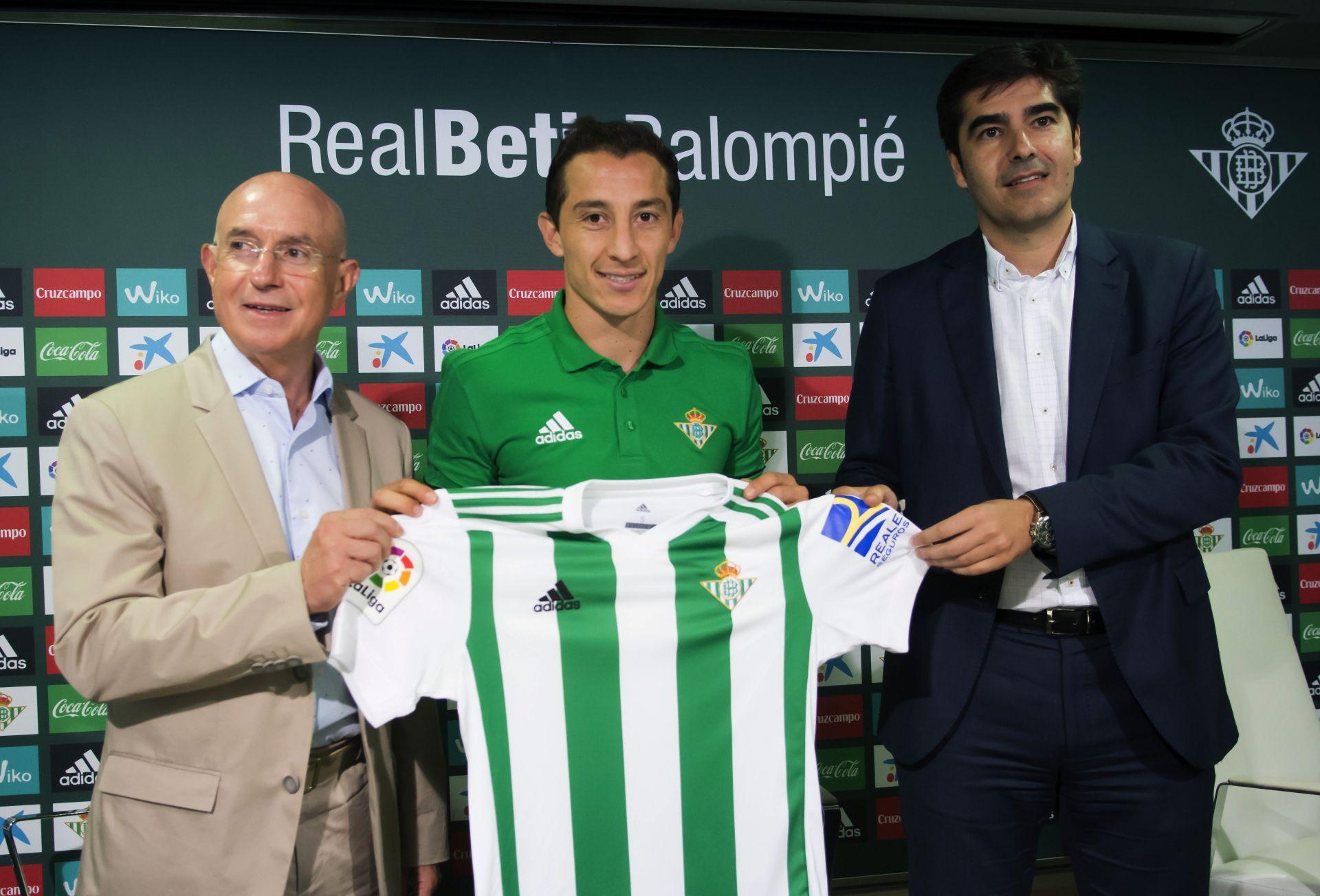 """Andrés Guardado, """"feliz por regresar a la mejor liga del mundo"""""""