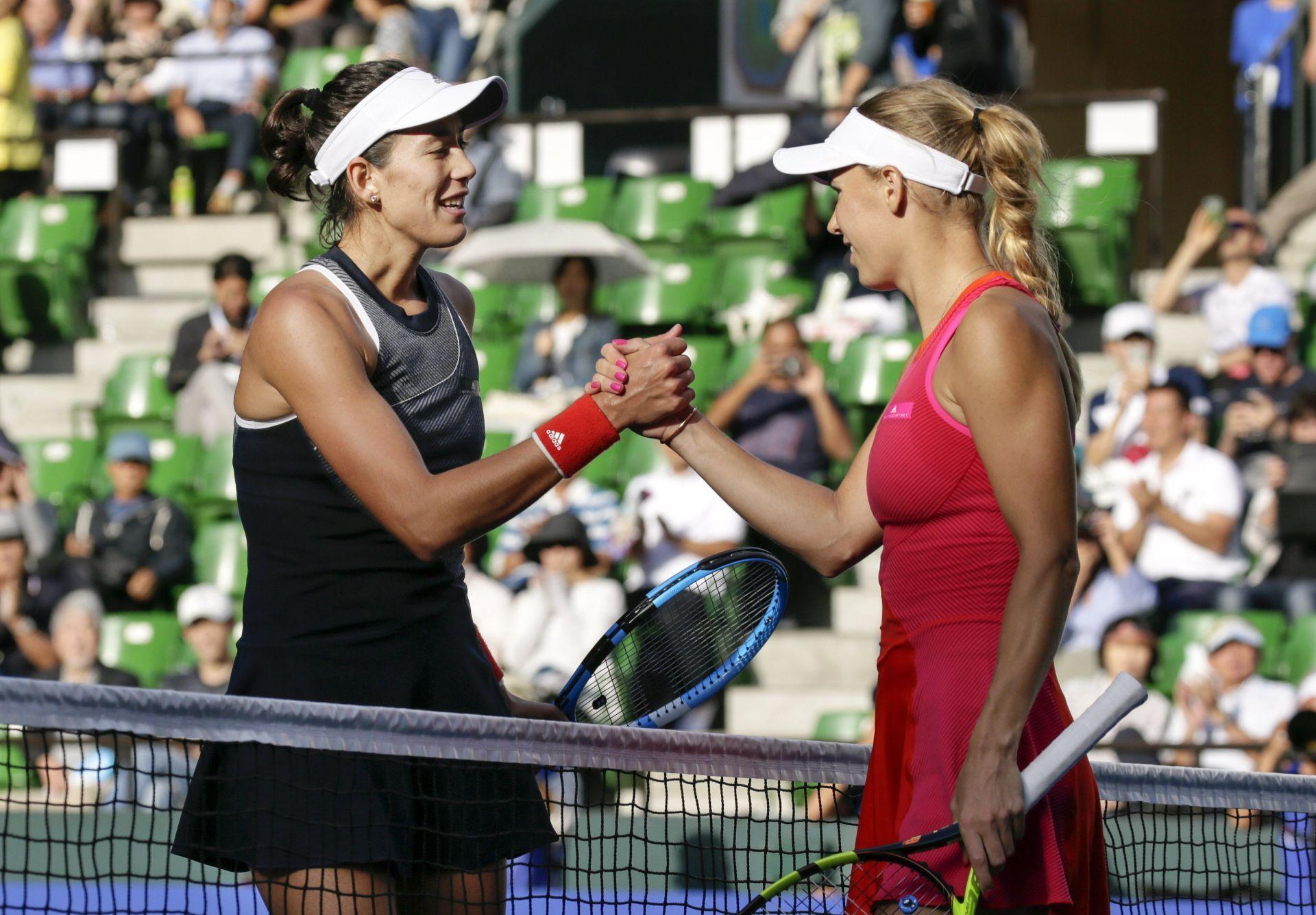 Wozniacki venció con facilidad a Muguruza en semifinal de Tokio