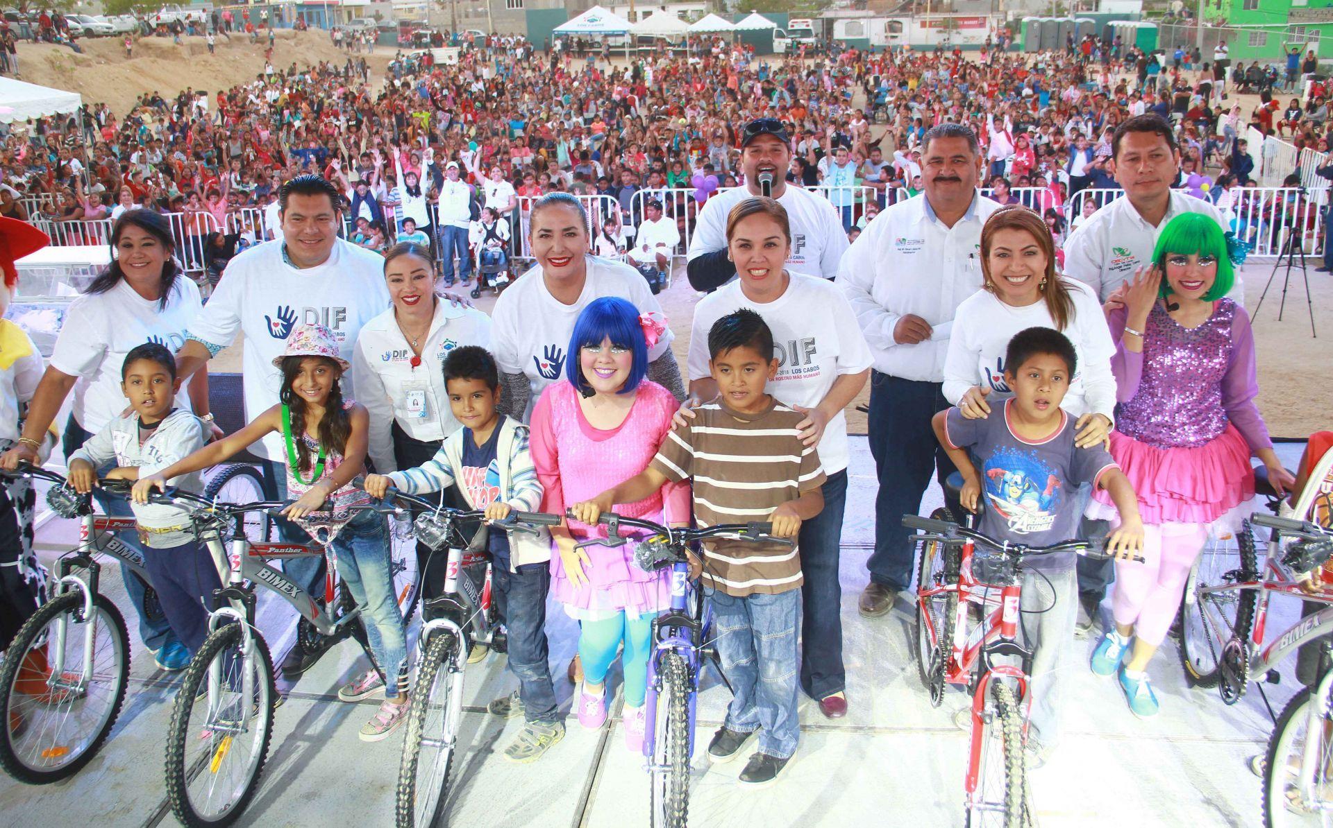 Celebra gobierno de Los Cabos a los niños en su día.