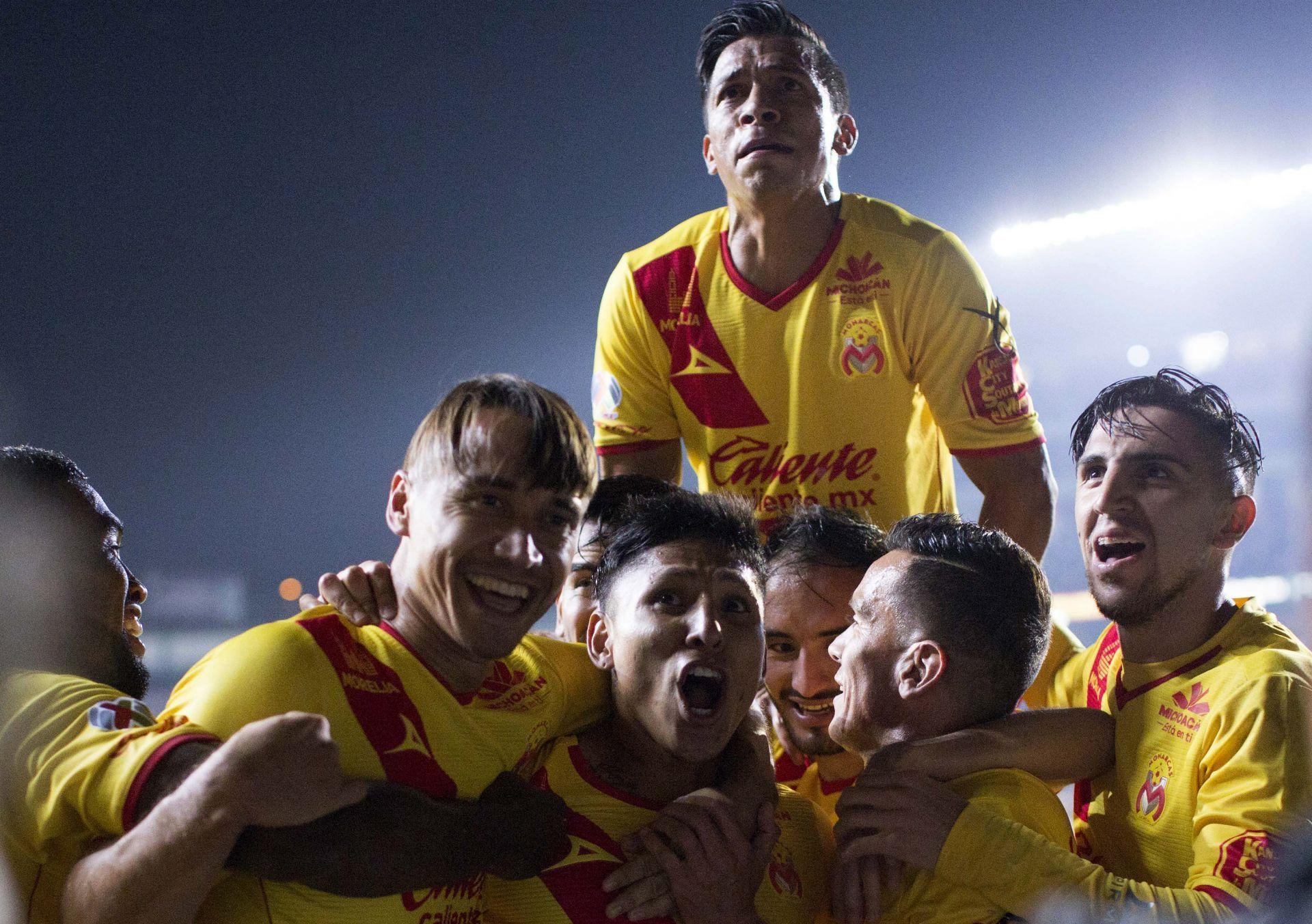El Morelia vence al América con goles de sudamericanos