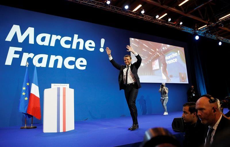 Macron y Le Pen afianzan su ventaja con el 90 % del voto escrutado
