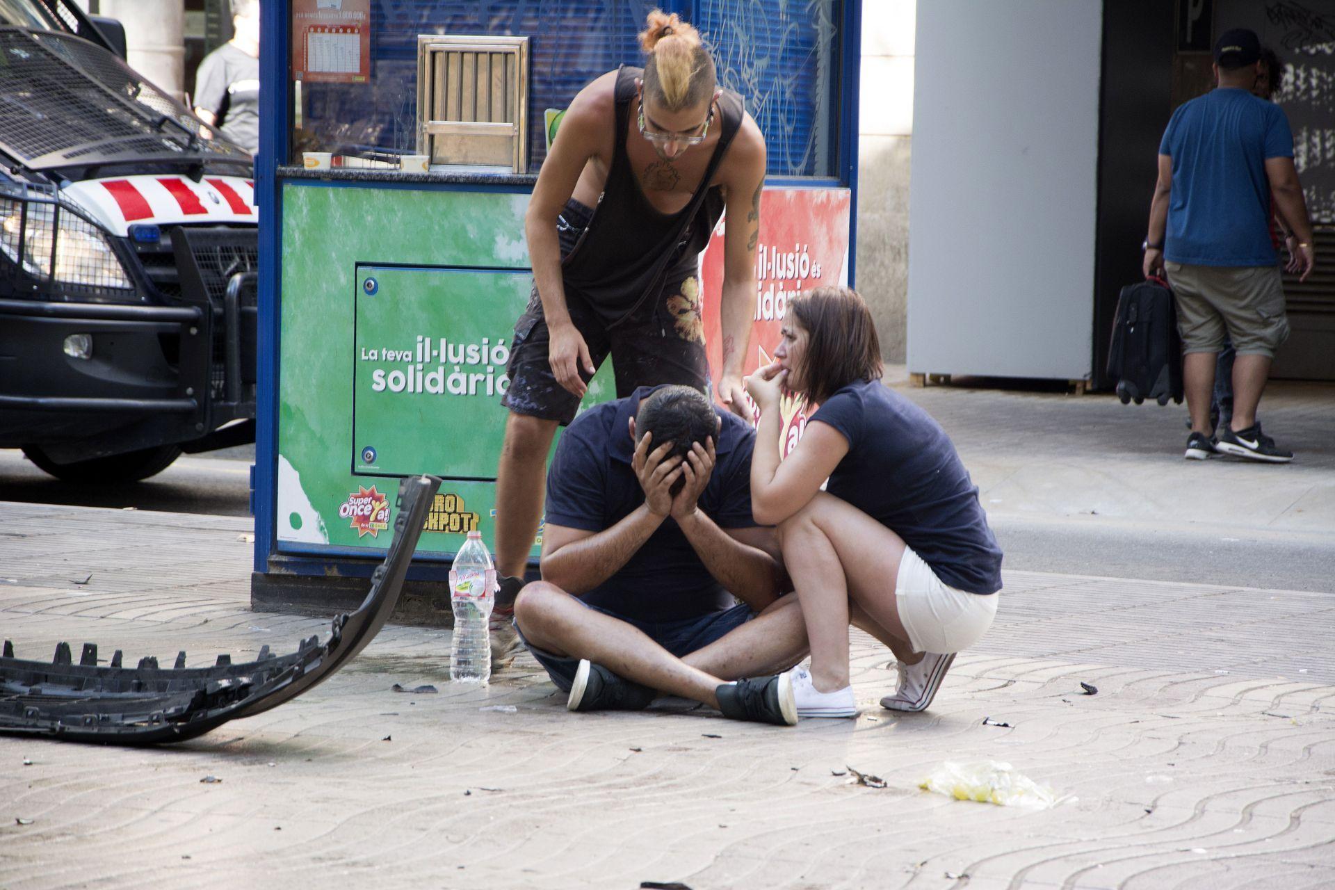 Una furgoneta atropella a varias personas en el centro de Barcelona