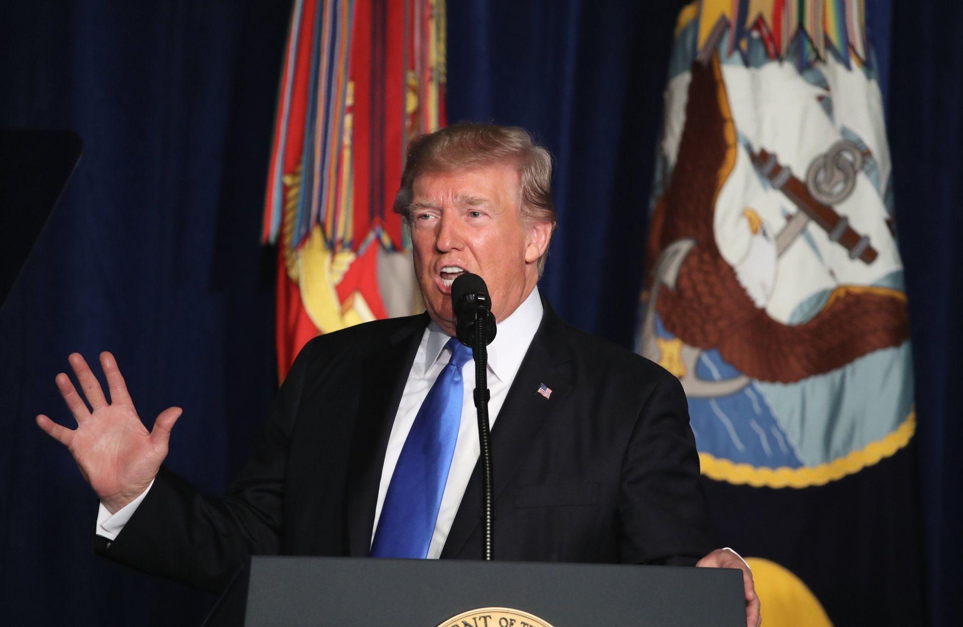 """Trump advierte al Gobierno afgano que su apoyo """"no es un cheque en blanco"""""""