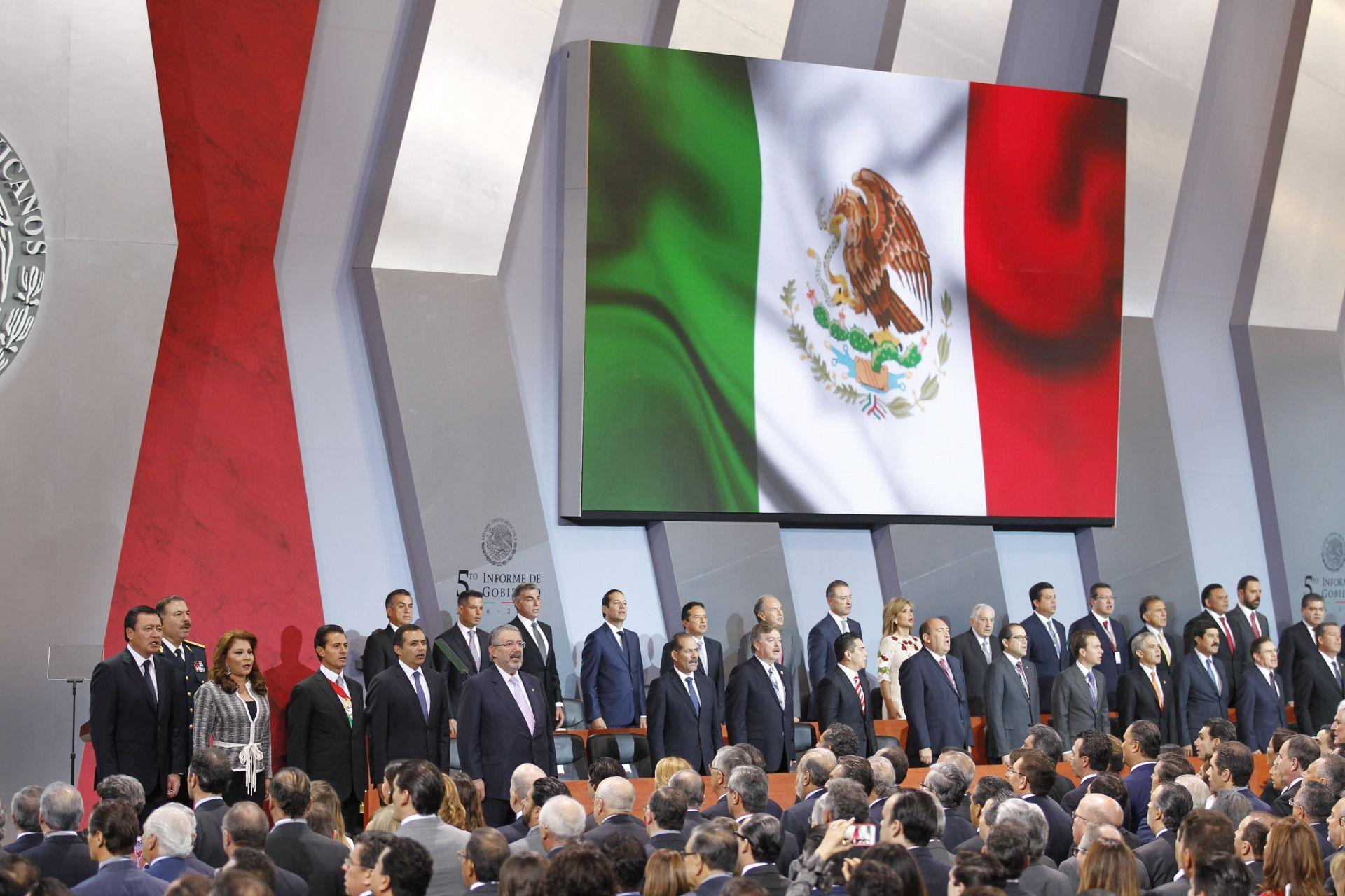 México capta 156.000 millones dólares de inversión en mandato de Peña Nieto