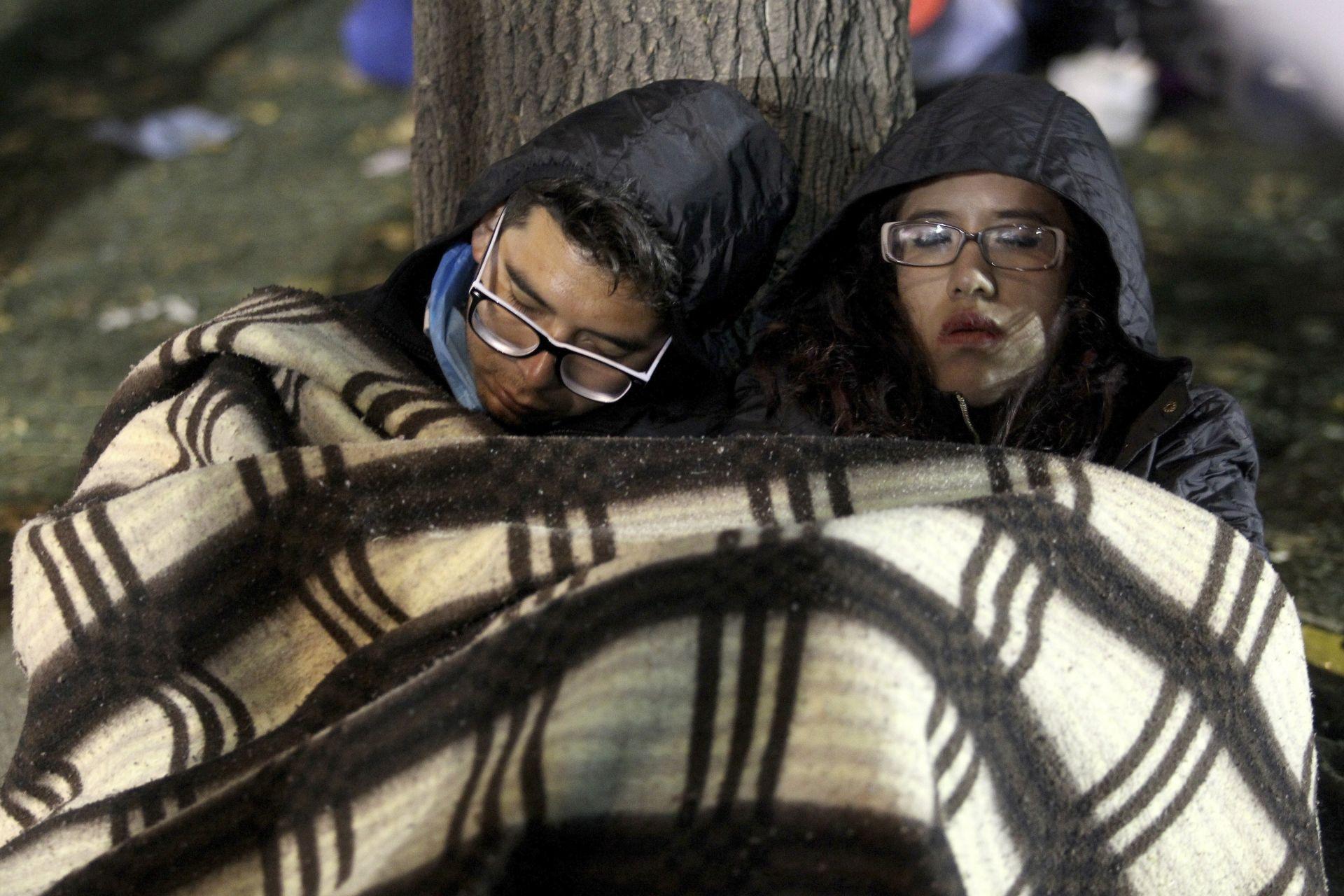 CIFRA DE MUERTOS AUMENTA A 319 Y SE REDUCEN LAS ESPERANZAS DE SOVREVIVIENTES