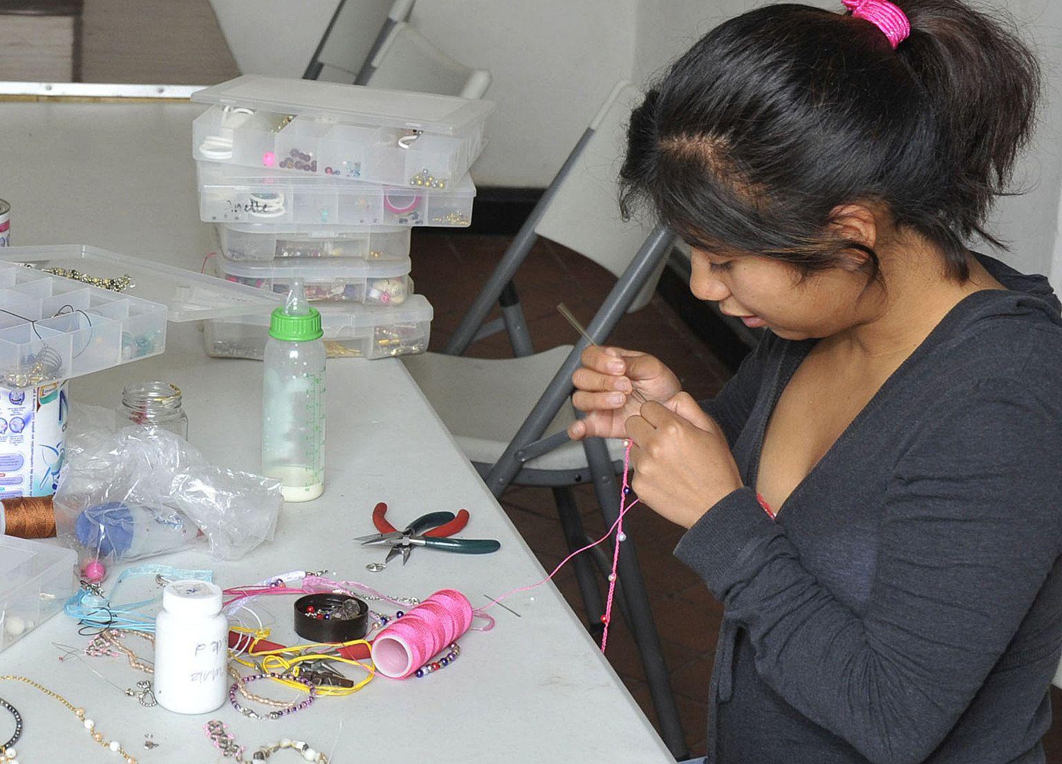 El 49 % de niñas y adolescentes mexicanas trabaja, según Comisión de DDHH