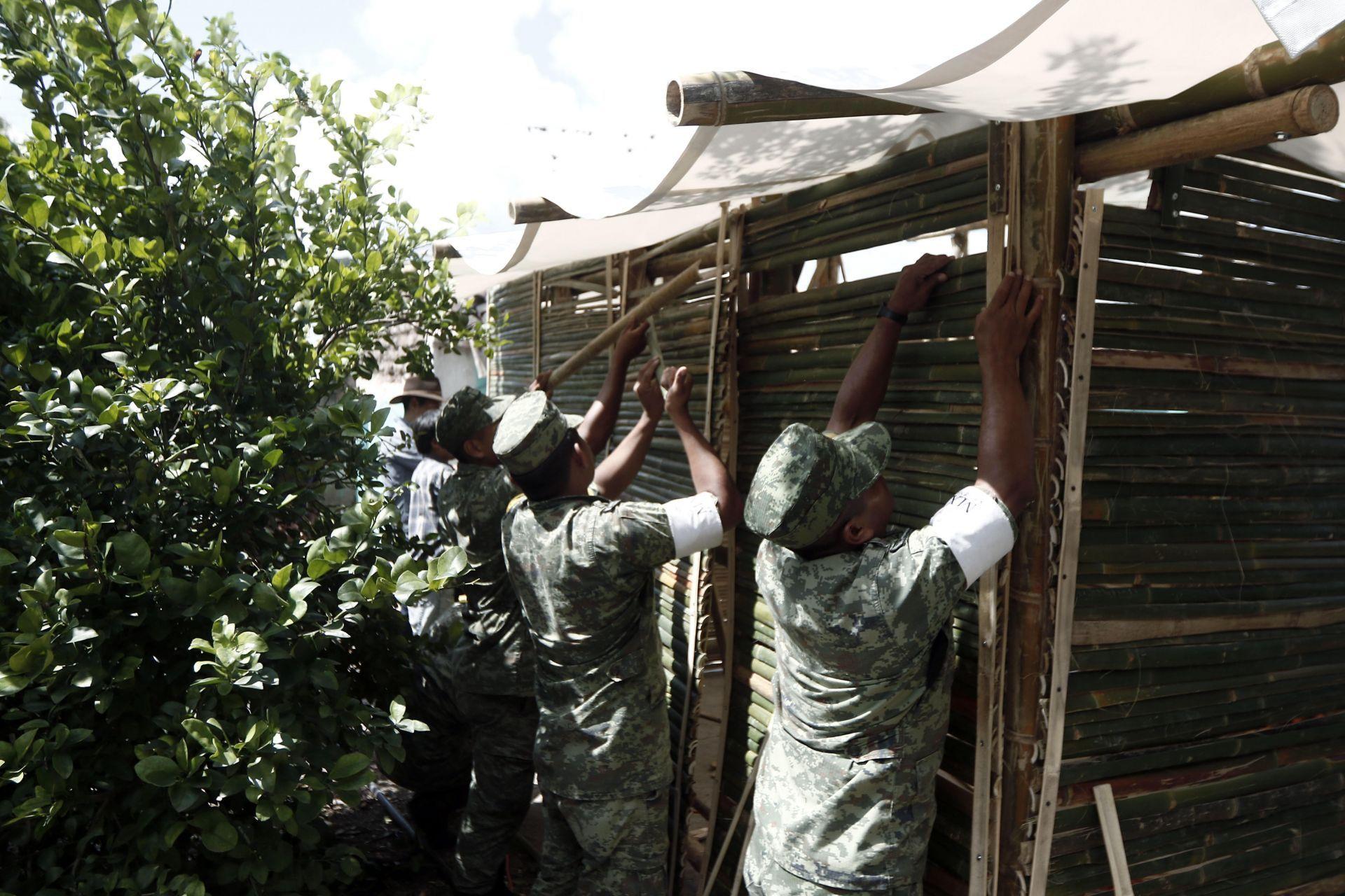 Casas de bambú, una solución temporal para damnificados del sismo en México