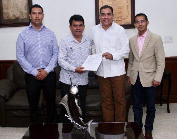 Alcalde de Los Cabos ve por los asentamientos Indígenas en el Municipio