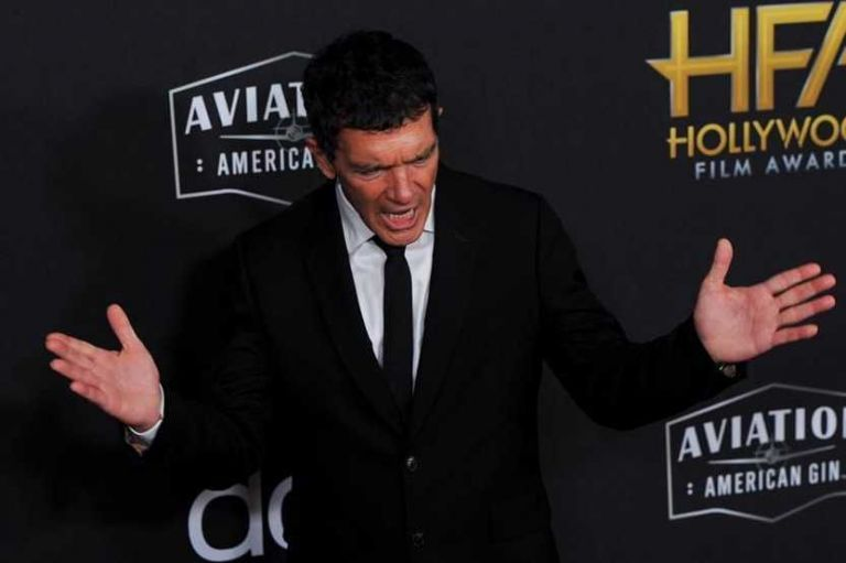antonio-banderas-gana-el-premio-al-mejor-actor-en-los-hollywood-film-awards