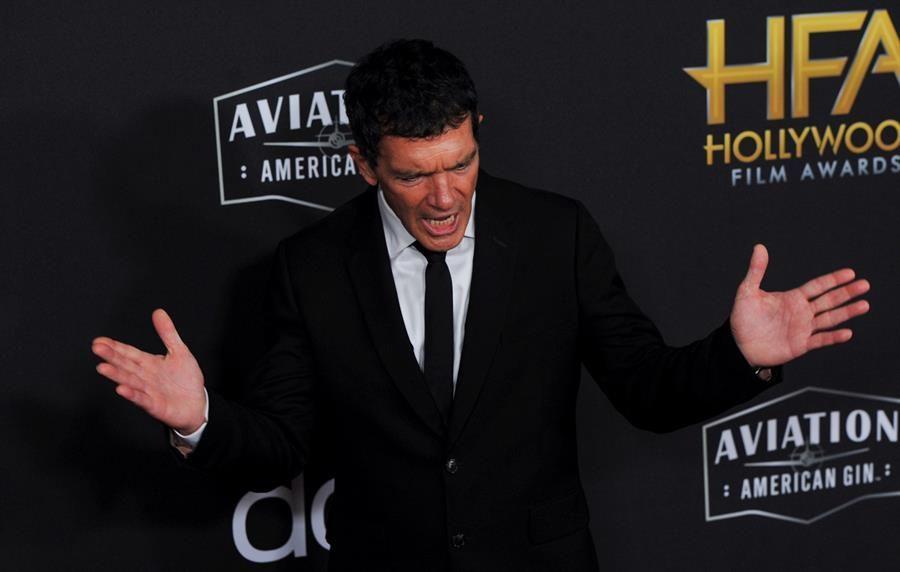 antonio-banderas-gana-el-premio-al-mejor-actor-en-los-hollywood-film-awards