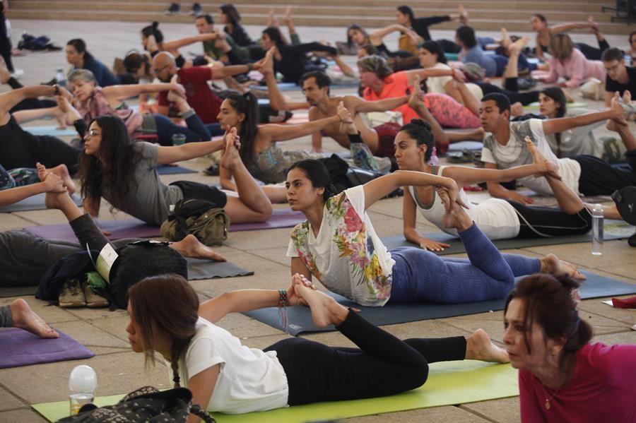 de-la-lectura-a-la-meditacion-la-india-lleva-el-yoga-a-la-fil-de-guadalajara