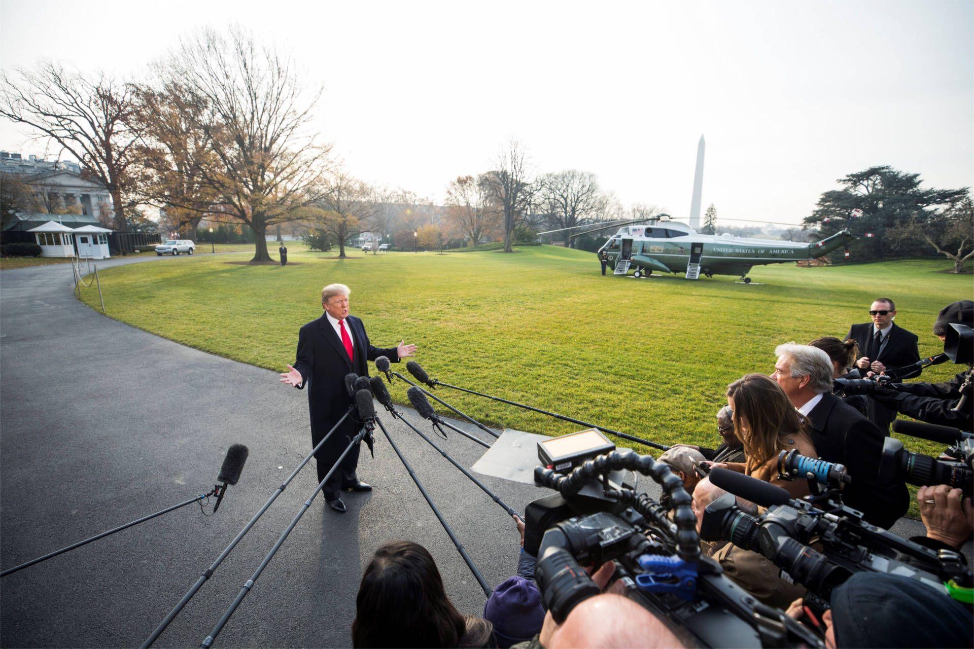 El presidente de EEUU, Donald Trump, pidió hoy el voto para Roy Moore, un candidato republicano al Senado por Alabama que ha sido acusado de abusar sexualmente de varias adolescentes hace unas cuatro décadas.