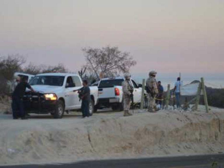 Van 14 cuerpos encontrados en fosa clandestina en Los Cabos