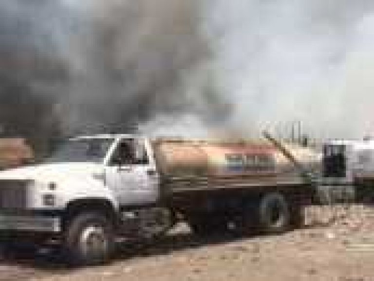 Fuego en basurero municipal deja sin agua en colonias de Loreto