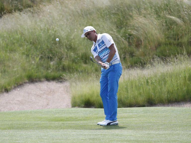 Rickie Fowler lidera el Abierto de Golf de Estados Unidos