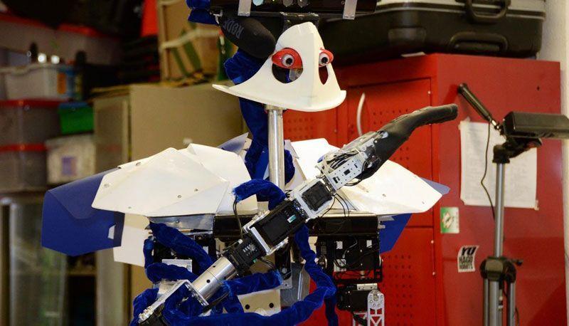 justina-el-robot-inteligente