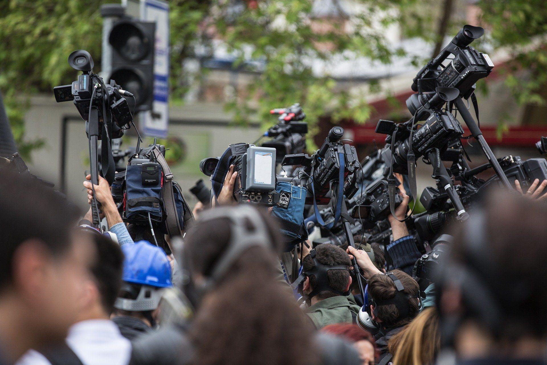 periodistas-en-mexico-sufren-acoso-de-bots-de-seguidores-de-amlo