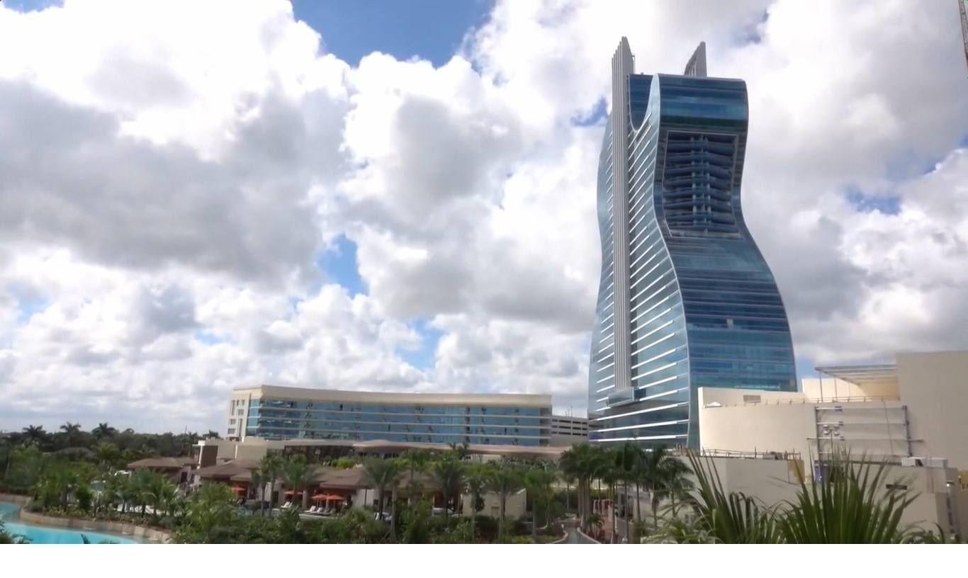 primer-hotel-con-forma-de-guitarra-del-mundo-abre-a-lo-grande-en-eeuu