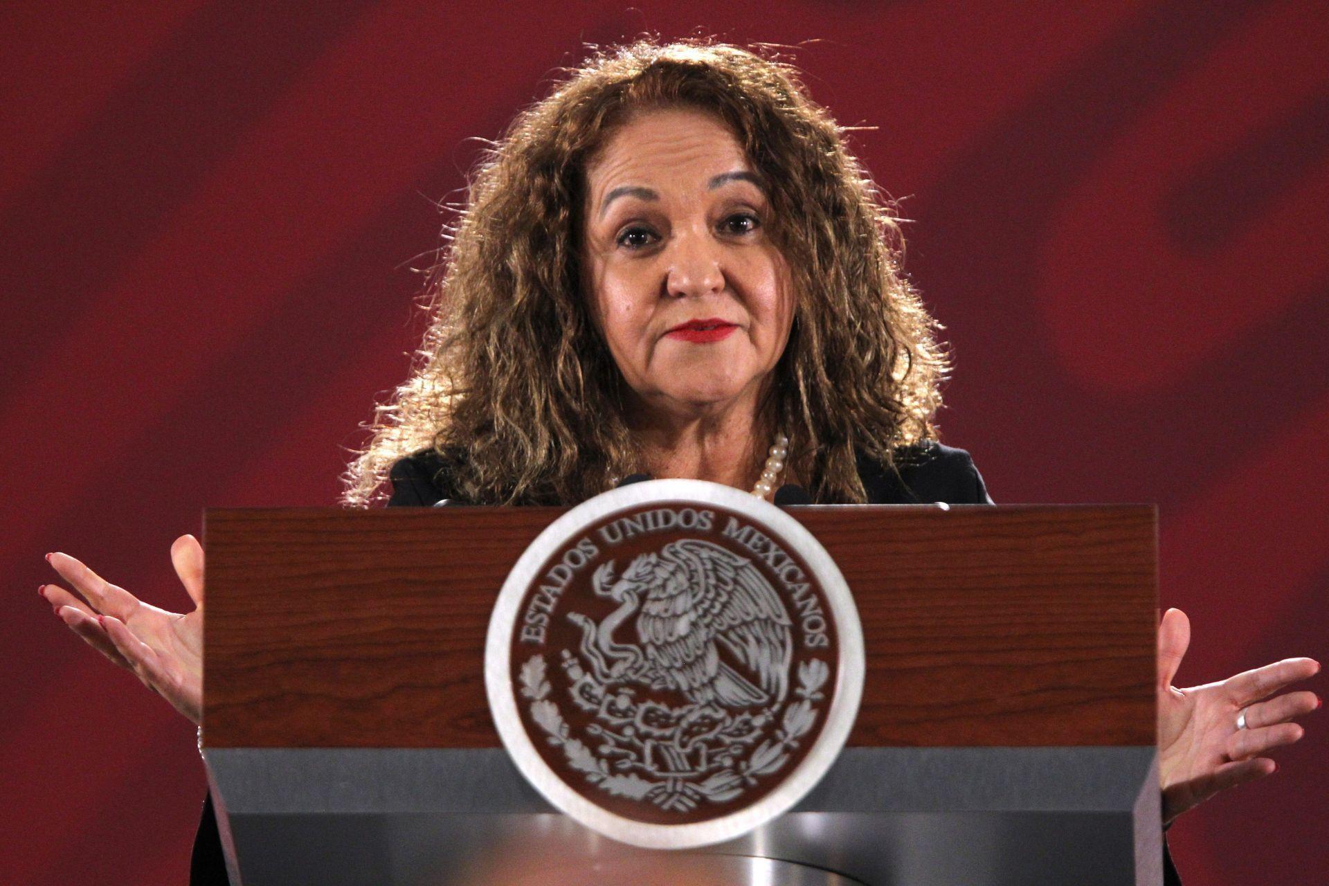 Sanjuana Martínez, directora de Notimex, defiende ante la prensa su polémica gestión