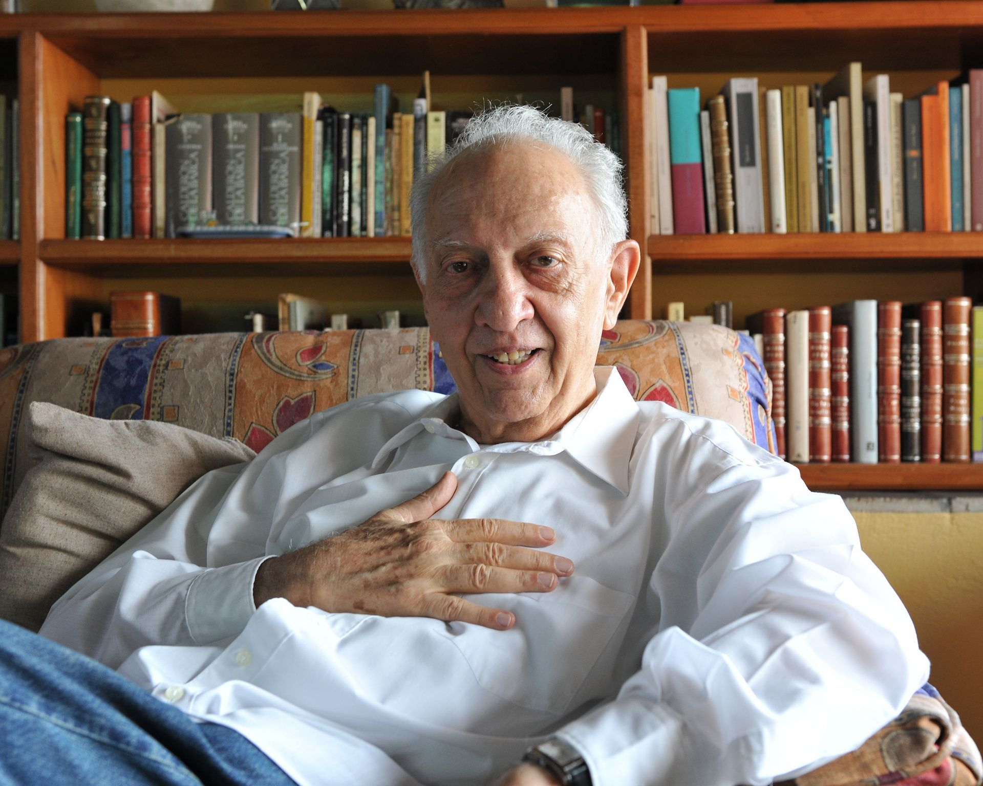 Escritor mexicano Sergio Pitol, en su casa de la ciudad de Xalapa