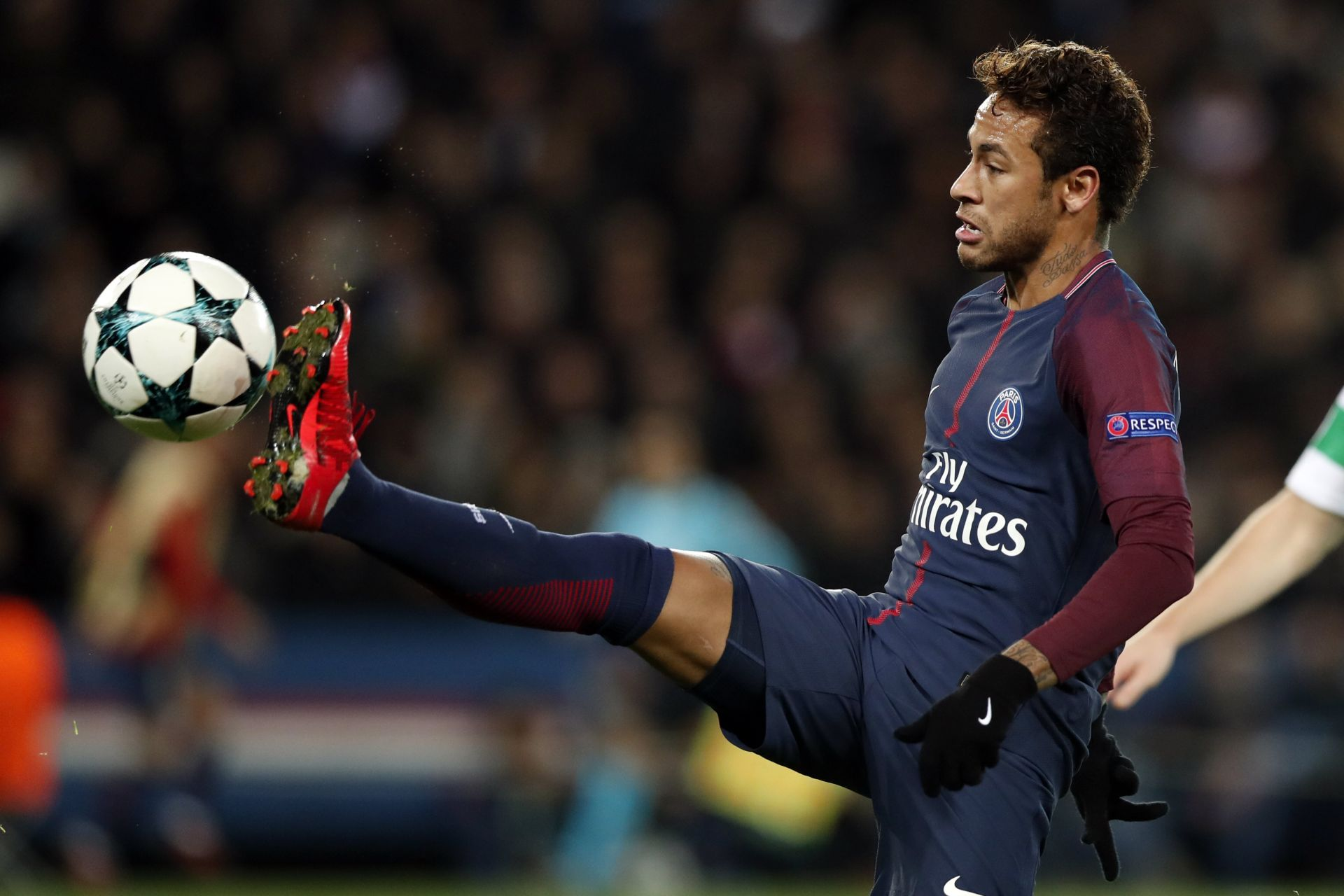 El delantero de PSG Neymar Jr. en acción