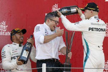 Mercedes es lider en los Mundiales de pilotos y constructores
