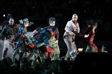 Justin Timberlake hace renacer a Prince en el medio tiempo del SB