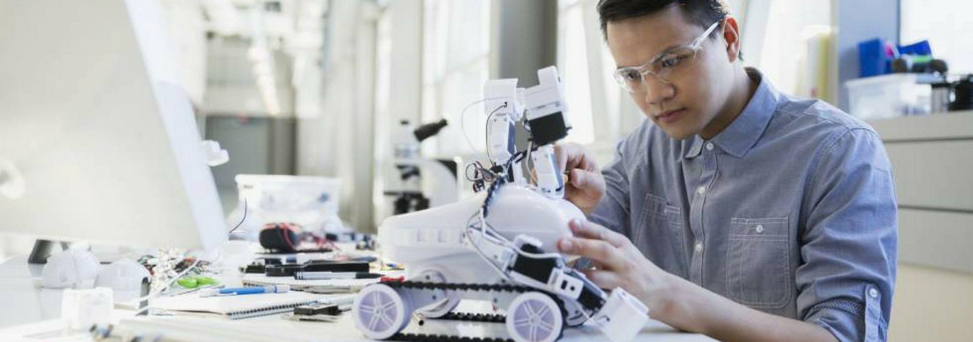 trabajos profesiones del futuro, robots