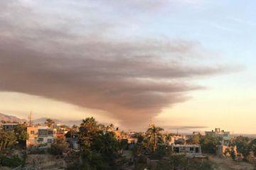Se incendia tiradero de autos de San José del Cabo