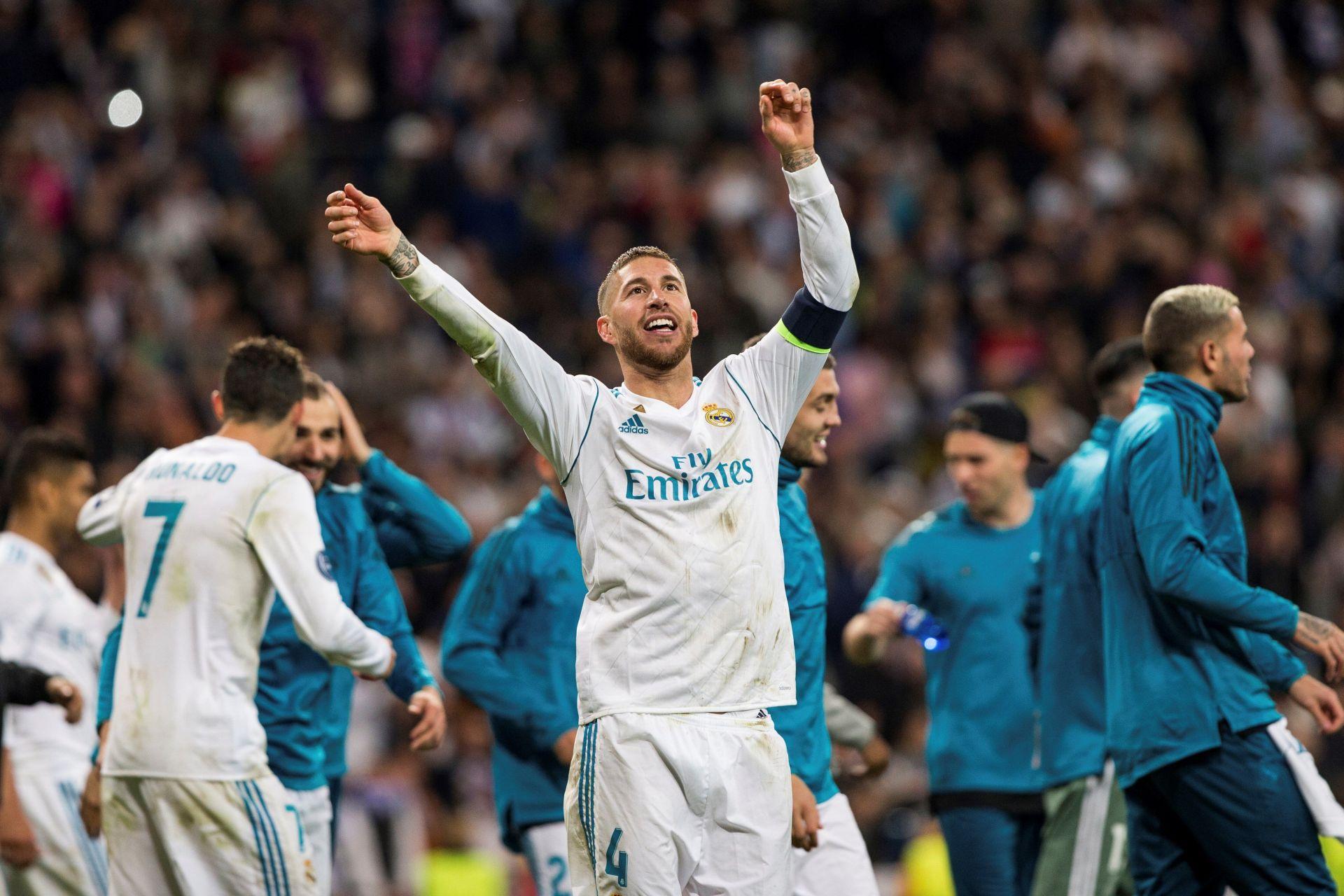 El capitán del Real Madrid Sergio Ramos celebra la clasificación para la final