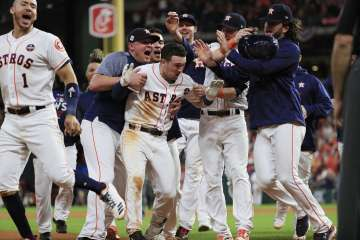 Astros: a un triunfo del título gracias al bateo explosivo