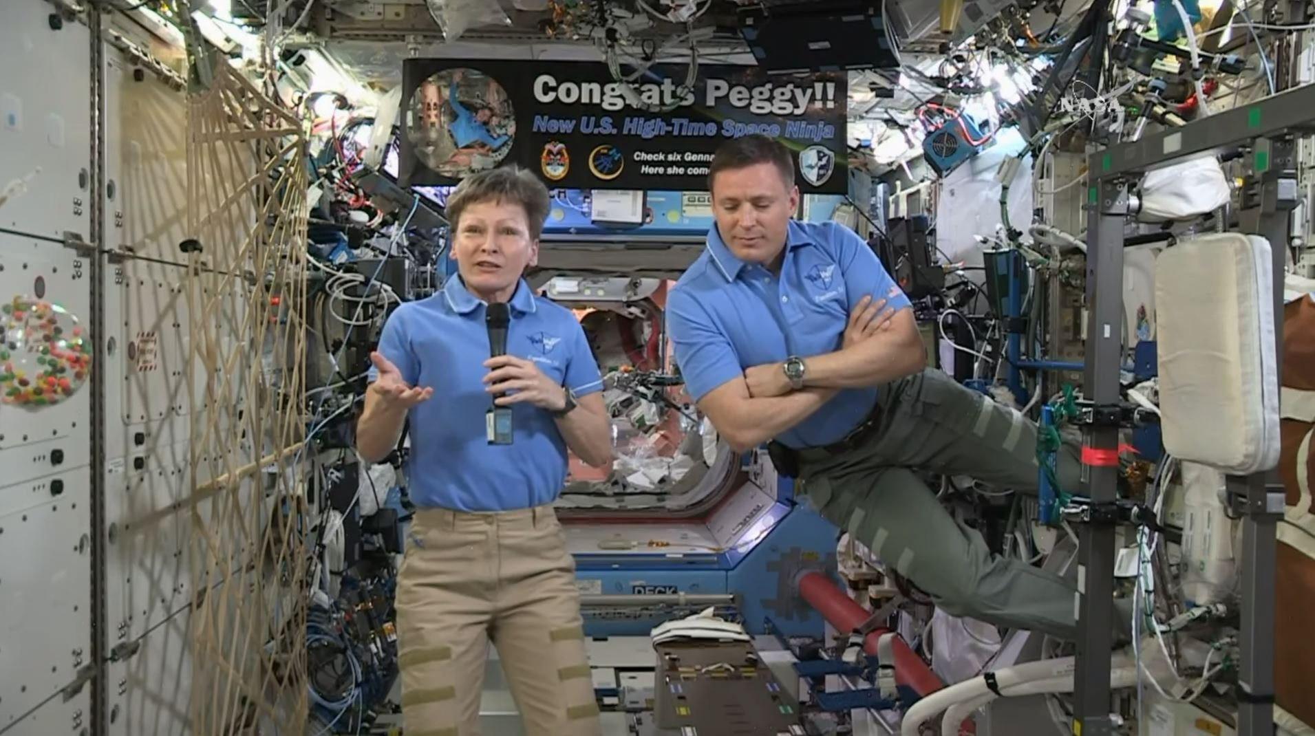 Peggy Whitson bate récord de tiempo en espacio para astronauta estadounidense