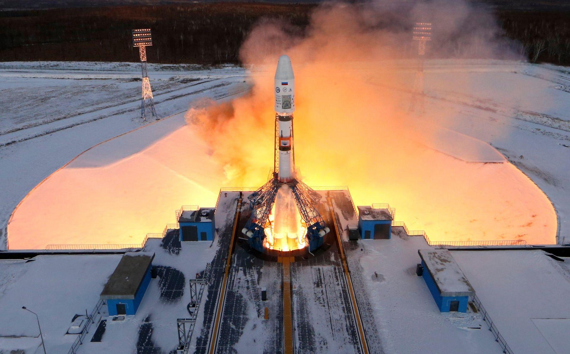 Rusia lanza con éxito un cohete desde su nuevo cosmódromo Vostochni