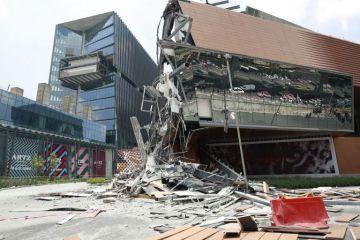 Se derrumba centro comercial en la Ciudad de México