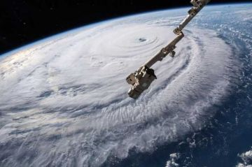 Las Carolinas se apresuran a protegerse del peor huracán en 60 años