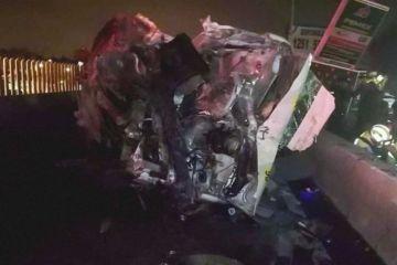 Asalto en combi provoca accidente en la México-Puebla y la muerte de siete