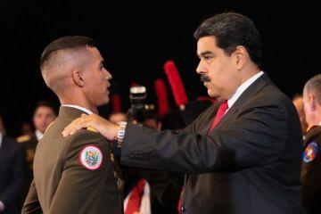 """Maduro rechaza intervención militar a Venezuela y pide a militares no """"bajar"""