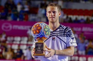 El argentino Schwartzman vence a Fritz y gana el título en el Abierto de Tenis